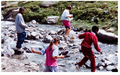 Vacances-pour-enfants-defavorises-en-1998_slideshow